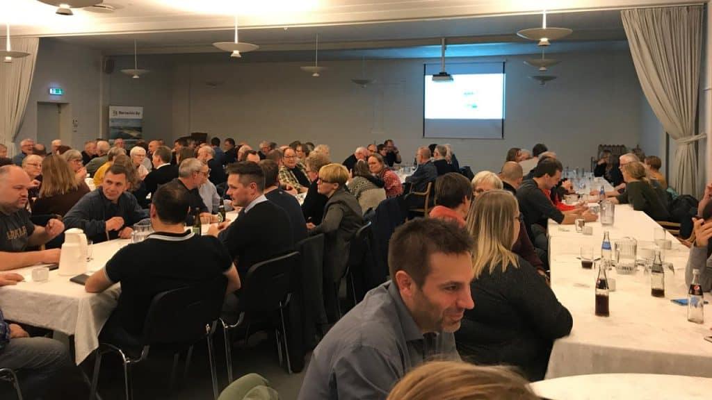 130 var mødt frem til onsdagens Borgermøde i Hvide Sande