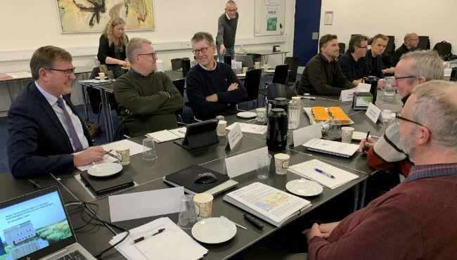 Efter årets sidste møde i Nationalpark Skjern Å-Udvalget kunne både udvalgsmedlemmer og Den Grønne Følgegruppe gå på juleferie med visheden om, at de mange timer, de har lagt i arbejdet med at sikre, at Danmarks sjette nationalpark bliver omkring Skjern Å, har været givet godt ud.