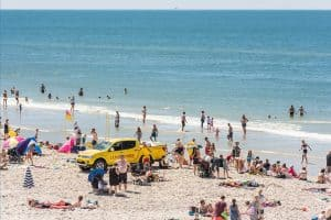 Esmark giver gratis sommerhus til livreddere i 2020