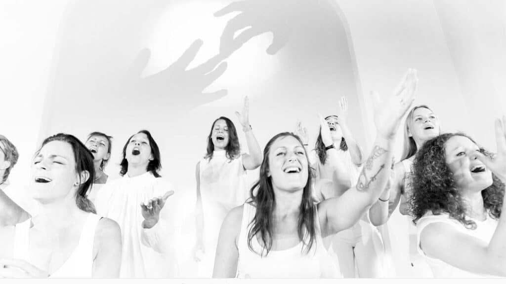 Oplev et medrivende og meget energisk Gospel-kor på søndag - Emmaus Gospel