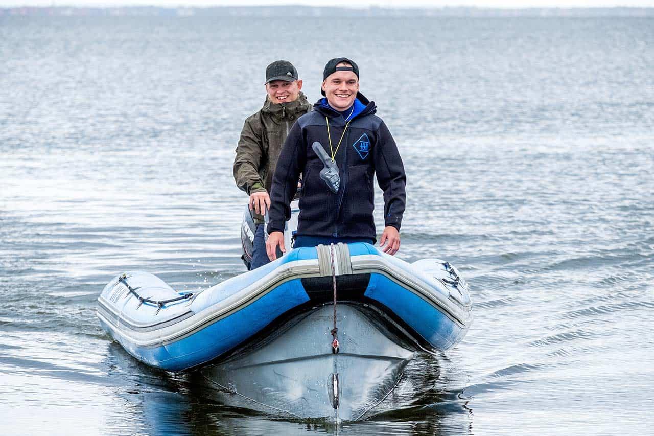 """Sigurd Klemmensen i sit es : i spidsen af sin """"livredderbåd"""" til WATERZ - Foto Jess Porse"""
