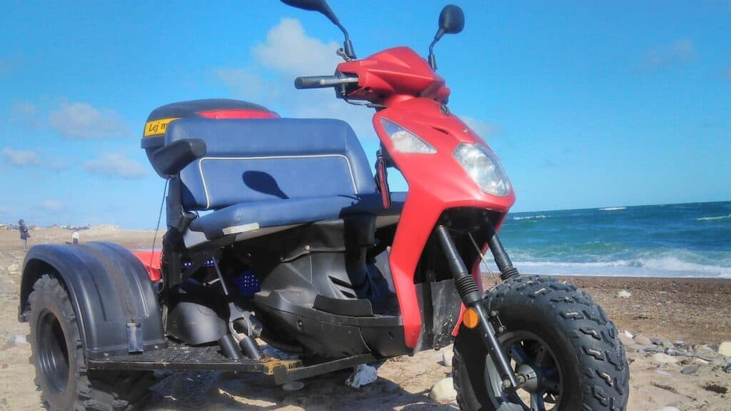 Trehjulede »Strandkrabbe« bringer gangbesværede til stranden