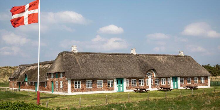 Murstenene skal blandt andet bruges til den fortsatte istand-sættelse af Abelines Gaard. - Foto: Abelines Gaard - Ringkøbing Skjern Museum