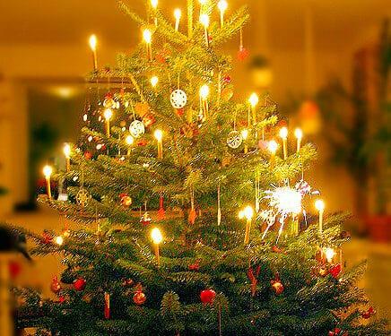 De nationale anbefalinger om sociale kontakter og forsamlingsforbuddet gælder også i december måned, inklusive juleaften og nytårsaften.