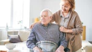 Ældrecentre og plejehjem åbner igen dørene