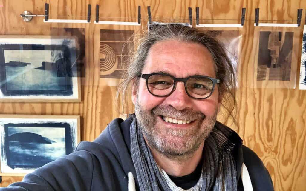 Ole Jauch udstiller i det lokale ART56 kunsthus i Tyskerhavnen.