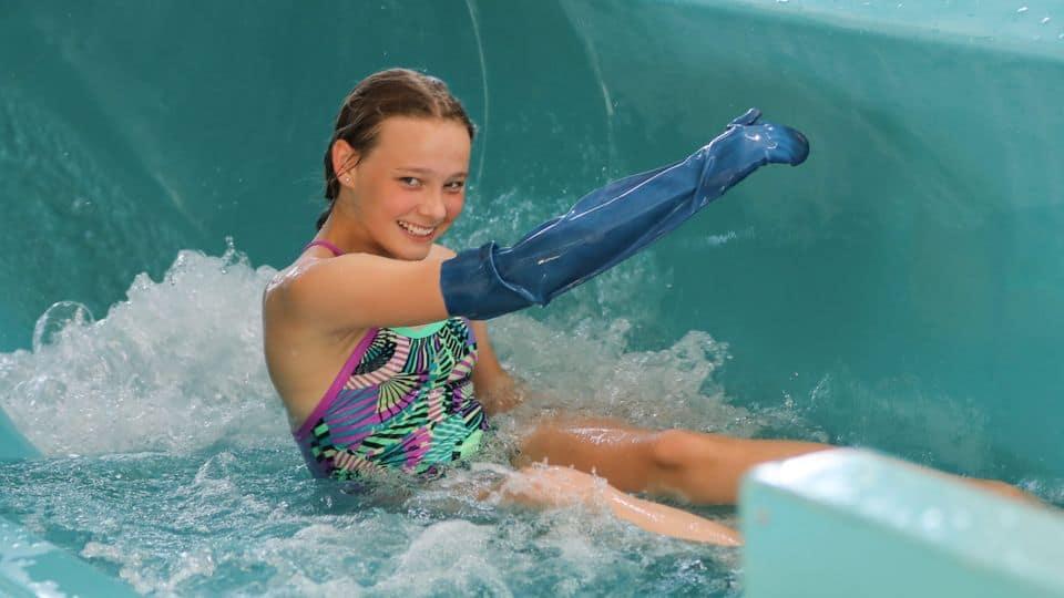 Brækket arm eller ben behøver ikke at sætte badeferien på pause