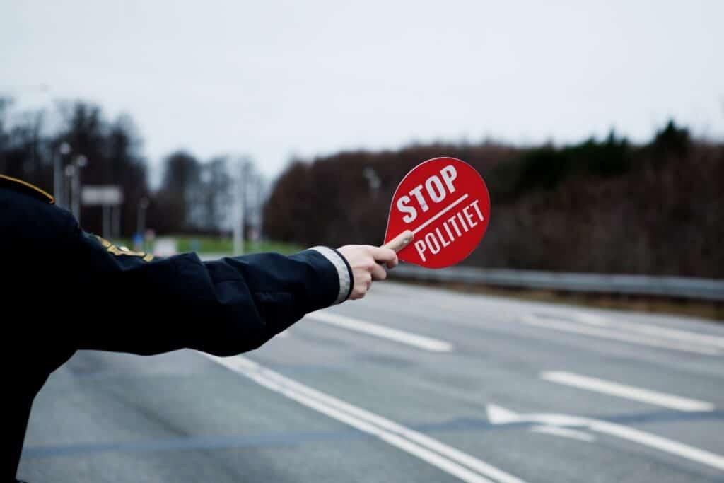 2000 bilister fik bøder i politiets spirituskontroller