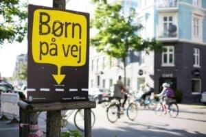 Trafiksikker skolestart begynder hos forældrene
