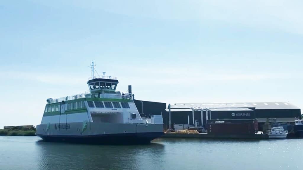 Ny grøn El-færge »Grotte er netop overdraget til Molslinjen's Fanø overfart foto: »Grotte« ny el-færge til Fanø-overfarten - Hvide Sande Shipyard